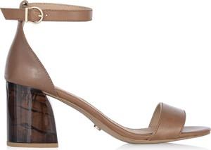 Brązowe sandały Ochnik ze skóry na obcasie