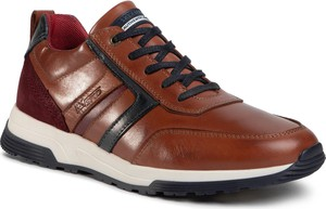 Brązowe buty sportowe eobuwie.pl sznurowane