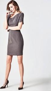 Sukienka Guess mini z okrągłym dekoltem asymetryczna