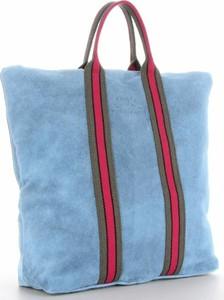 Niebieska torebka VITTORIA GOTTI w wakacyjnym stylu z zamszu duża