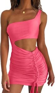Różowa sukienka Sandbella dopasowana mini w street stylu