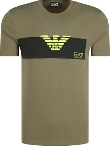 T-shirt Emporio Armani w młodzieżowym stylu