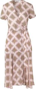 Sukienka Samsøe & Samsøe w stylu casual z krótkim rękawem z dekoltem w kształcie litery v