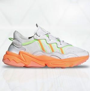 Buty sportowe Adidas z płaską podeszwą sznurowane ozweego
