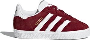 Czerwone trampki dziecięce Adidas z zamszu sznurowane