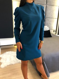 Niebieska sukienka ModnaKiecka.pl prosta mini z długim rękawem