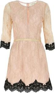 Sukienka Anna Molinari z długim rękawem z okrągłym dekoltem