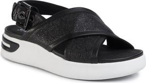 Sandały Geox na niskim obcasie ze skóry ekologicznej w stylu casual