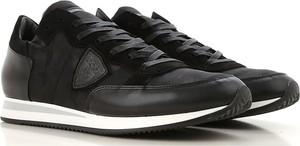 Czarne buty sportowe Philippe Model w młodzieżowym stylu