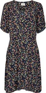 Sukienka Numph z krótkim rękawem w stylu casual mini