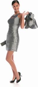 Sukienka Fokus dopasowana w stylu glamour