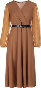 Sukienka Multu z dekoltem w kształcie litery v midi