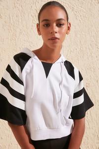 Bluza Trendyol krótka