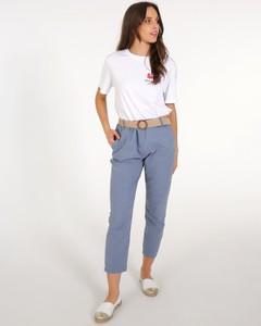 Niebieskie jeansy Unisono w street stylu