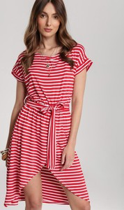 Czerwona sukienka Renee mini z okrągłym dekoltem w stylu casual