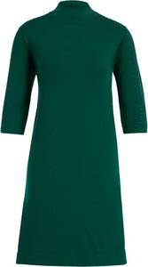Zielona sukienka Laurèl trapezowa z długim rękawem z golfem