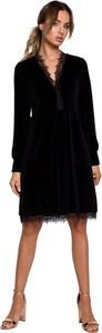 Czarna sukienka MOE z długim rękawem z dzianiny