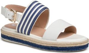 Sandały Geox z tkaniny z klamrami