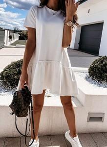 Sukienka Cikelly z krótkim rękawem prosta z okrągłym dekoltem