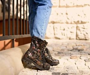 Botki Zapato ze skóry sznurowane z płaską podeszwą