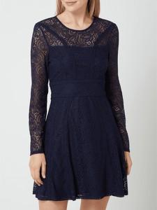 Granatowa sukienka Bardot z okrągłym dekoltem