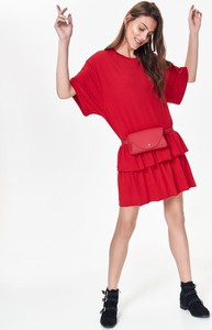 Czerwona sukienka Top Secret z długim rękawem oversize z dzianiny