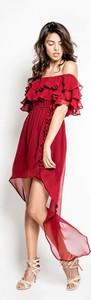 Czerwona sukienka MYOKO midi z jedwabiu z krótkim rękawem