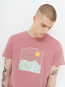 Różowy t-shirt Outhorn z nadrukiem z krótkim rękawem