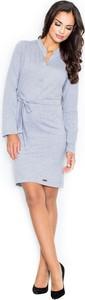 Sukienka Figl z dekoltem w kształcie litery v w stylu casual z długim rękawem