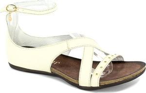 Sandały Carinii w stylu casual z płaską podeszwą z klamrami
