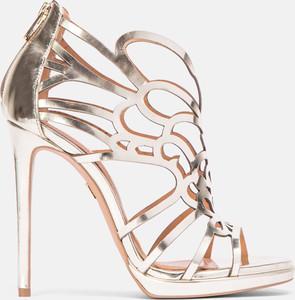 Złote sandały Kazar