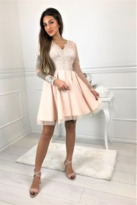 Sukienka omnido.pl mini z dekoltem w kształcie litery v z długim rękawem
