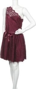 Czerwona sukienka Lipstick z okrągłym dekoltem bez rękawów