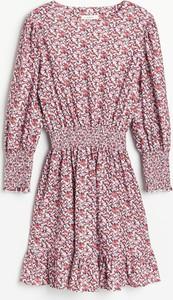 Sukienka Reserved z żakardu z długim rękawem mini