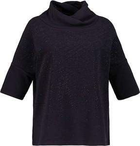 Czarna bluzka Ulla Popken z golfem z bawełny w stylu casual