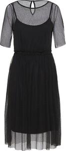 fd47c1d37 vero moda red dress. Czarna sukienka Vero Moda z okrągłym dekoltem midi z krótkim  rękawem