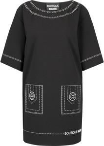 Sukienka Boutique Moschino z krótkim rękawem z okrągłym dekoltem w stylu casual