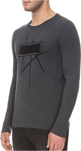 T-shirt Guess z długim rękawem z nadrukiem
