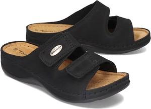 Czarne klapki Tamaris na rzepy w stylu casual