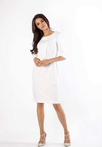 Sukienka Nommo z długim rękawem midi z okrągłym dekoltem