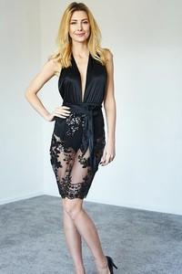 5ae41411ac asos sukienka czarna cekiny - stylowo i modnie z Allani