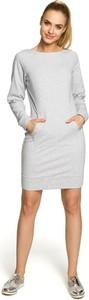 Sukienka MOE dopasowana w stylu casual z okrągłym dekoltem