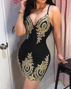 Sukienka Kendallme mini dopasowana z dekoltem w kształcie litery v