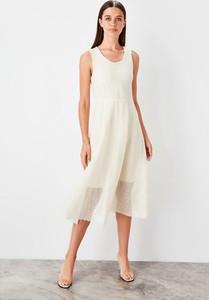 Sukienka Trendyol bez rękawów z okrągłym dekoltem