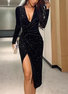 Czarna sukienka Sandbella midi z długim rękawem