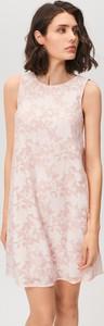 Różowa sukienka FEMESTAGE Eva Minge bez rękawów z okrągłym dekoltem w stylu casual