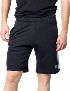 Spodenki Adidas w sportowym stylu
