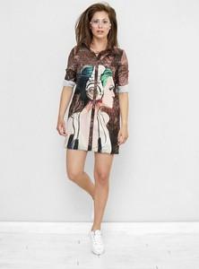 Sukienka Freeshion z okrągłym dekoltem mini