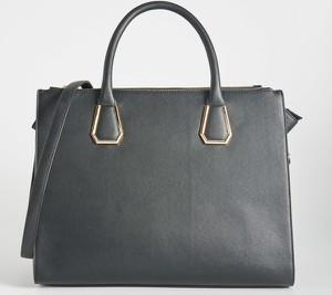 Niebieska torebka Sinsay średnia do ręki