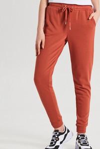Spodnie Cropp w młodzieżowym stylu